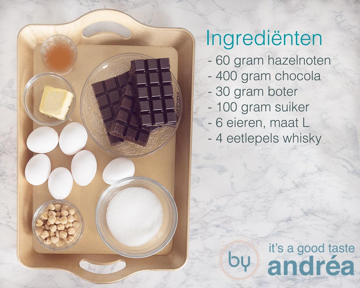Ingredienten chocolade mousse met whisky en hazelnoten