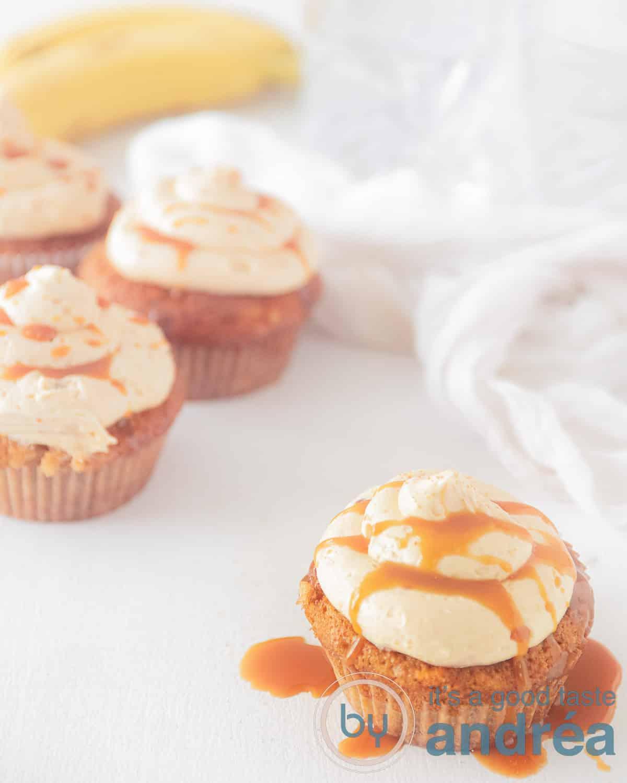 bananen cupcake met karamel botercrème