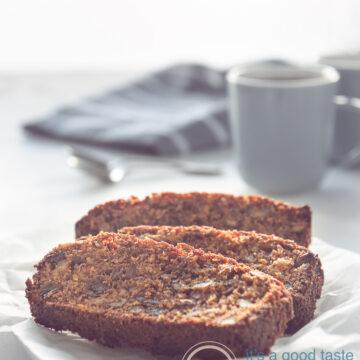 3 plakjes Dadel, appel en walnoot cake