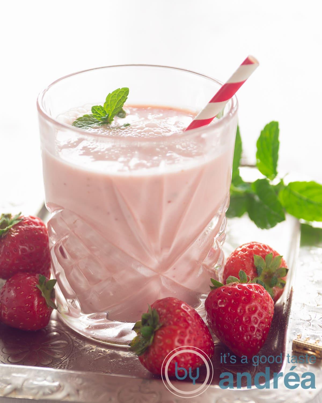 Aardbeien yoghurt smoothie