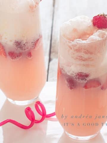 Verfrissende aardbeien soda ice cream