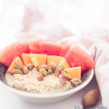 ontbijtrecept havermout met vers fruit en noten