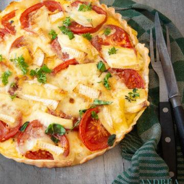 quiche met tomaat mosterd en brie
