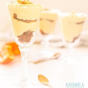 Sinaasappelvla met bastogne koek