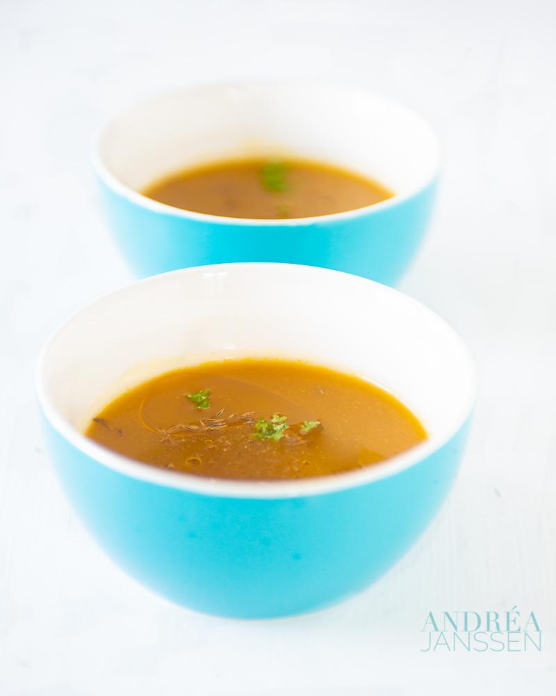 pompoen soep met saffraan en een Indiase twist