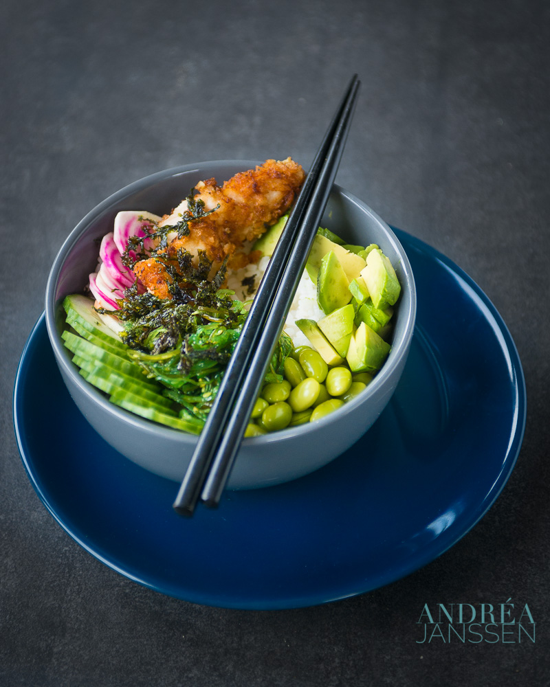 sushi bowl met sriracha kip