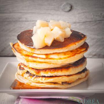 Pancakes met stoofpeertjes - pan cakes with poached pears