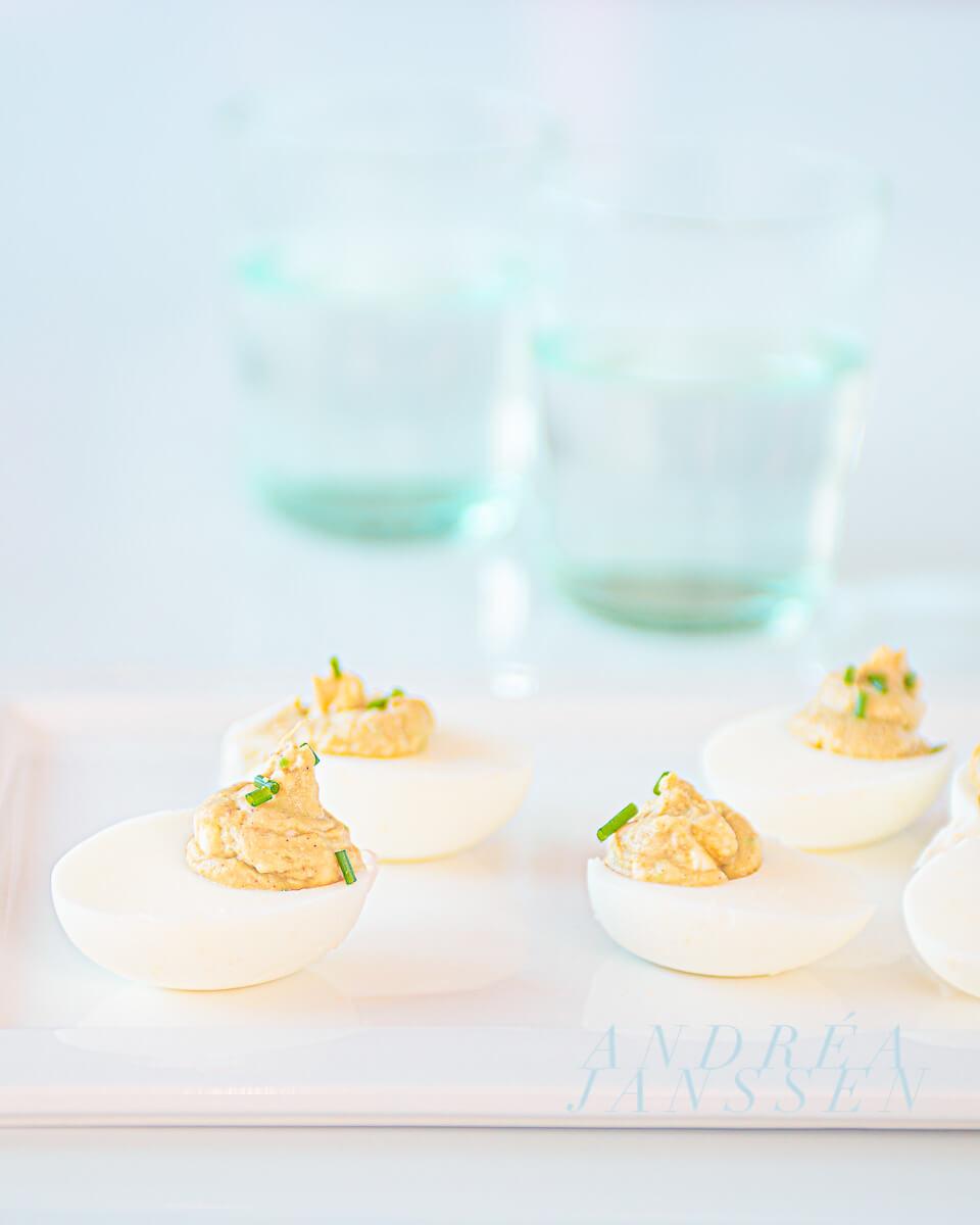 Gevulde eieren zonder mayonaise en met avocado